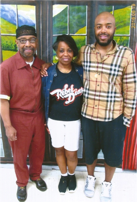 maroon-with-theresa-and-hakeem-sci-graterford-fathers-day-2016